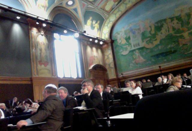 Le débat sur l'ouverture du service civil aux femmes est à nouveau ouvert